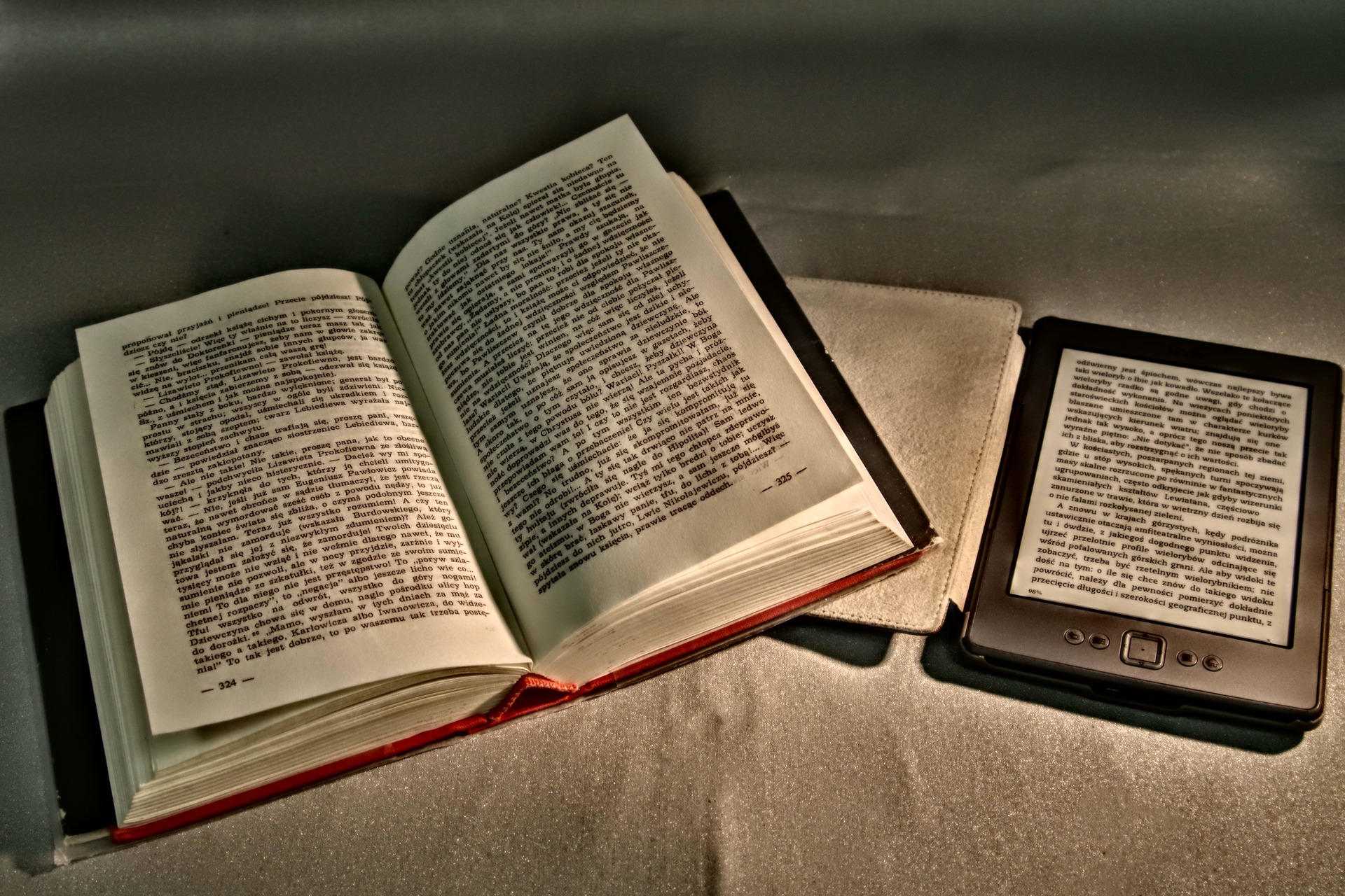 Cartea electronică vs cartea tipărită