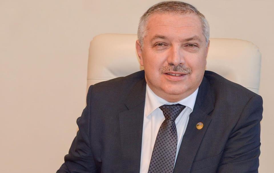 """Rectorul UMF Tîrgu Mureș, mesaj pentru studenți:  """"Decizia de a absorbi UPM nu afectează în niciun fel statutul și parcursul vostru profesional de studenți ai UMF"""""""
