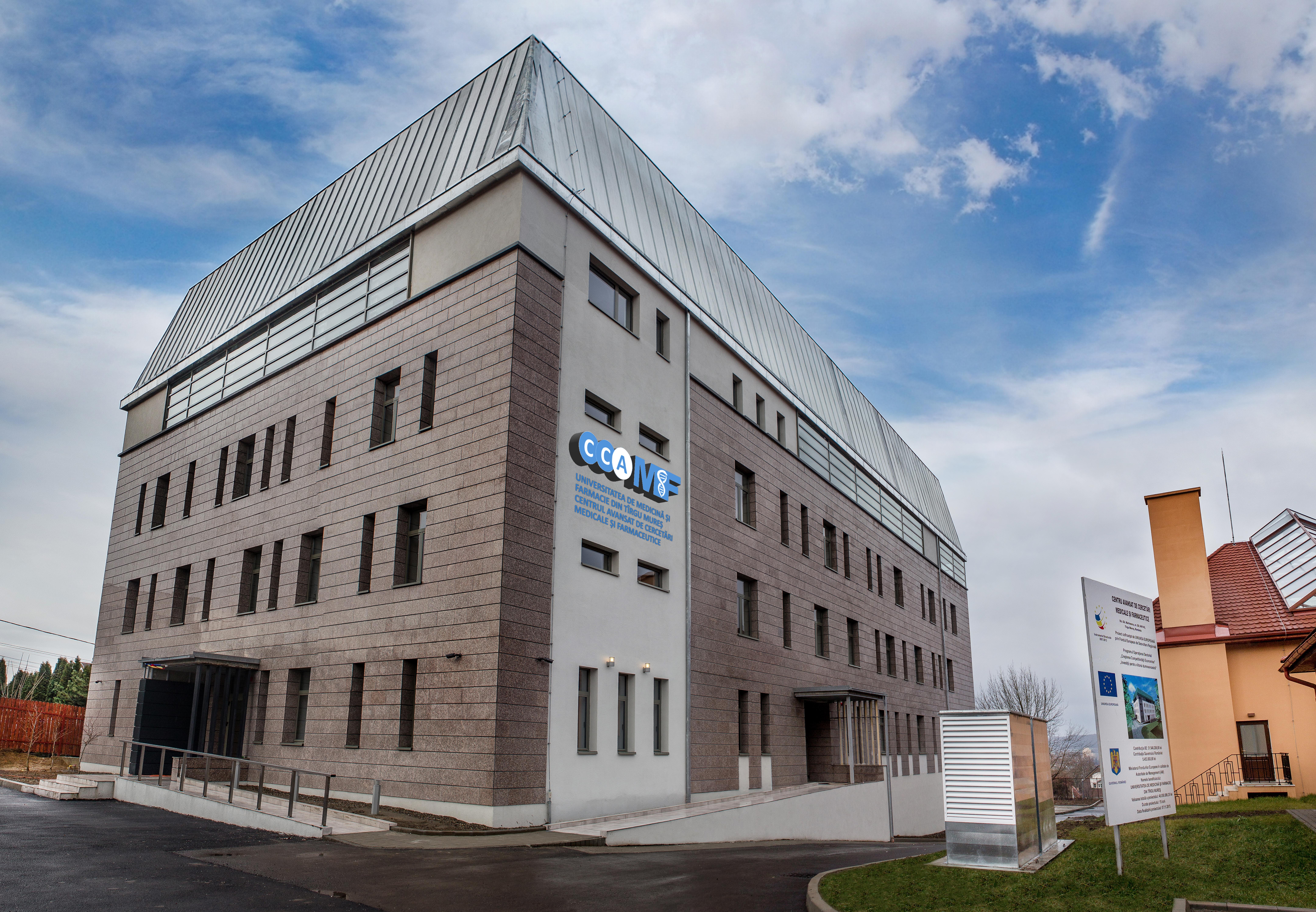 Cercetători de renume din Europa, la Centrul de Cercetări Avansate Medico-Farmaceutice