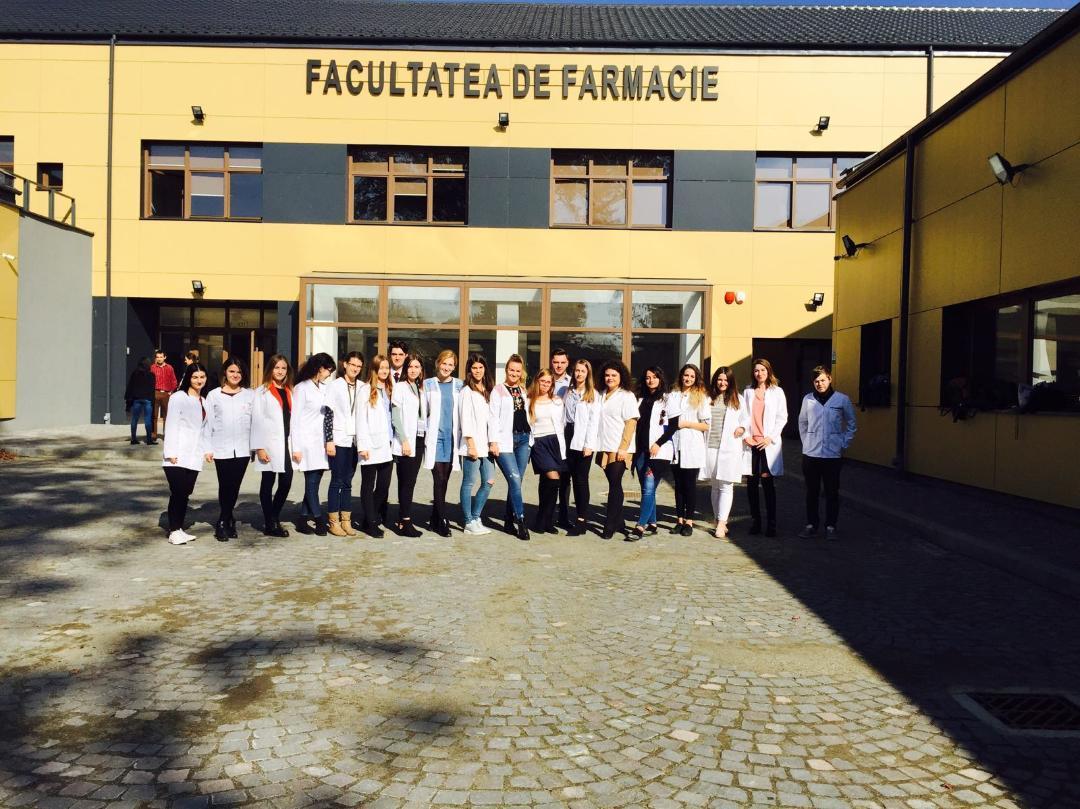 Studenți din cinci centre universitare, într-un schimb de experiență la UMF Tîrgu Mureș
