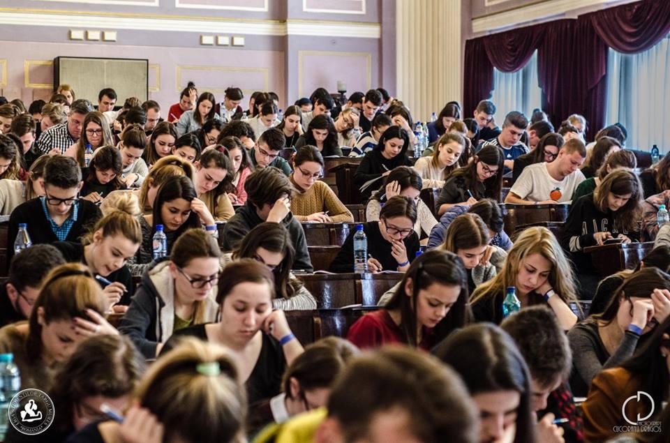 Peste 260 de studenți UMFST și-au exprimat dorința de a fi voluntari pentru îngrijirea bolnavilor cu COVID-19