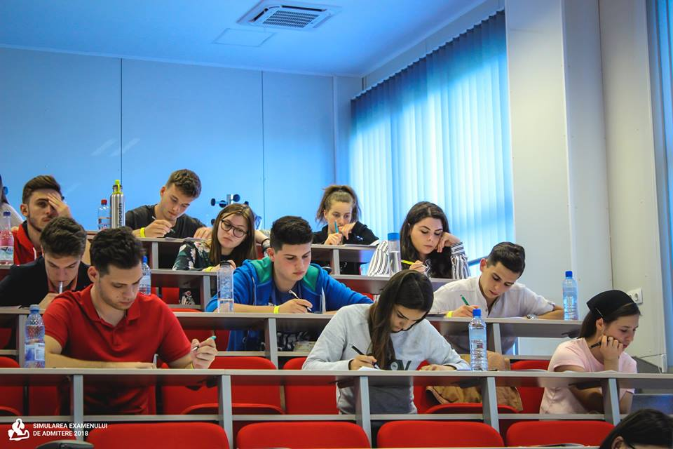 """Simularea examenului de admitere la UMFST – disciplina biologie, organizată de Colegiul Național """"Unirea"""""""