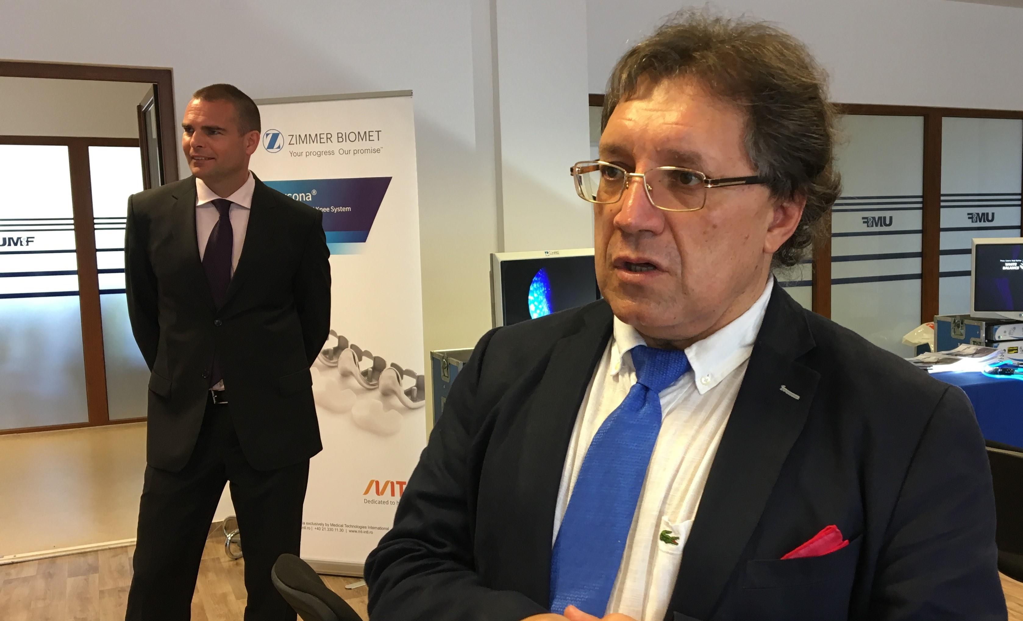 Sistem de realitate virtuală, prezentat la Cursul Internațional de Chirurgie Artroscopică de la UMF Tîrgu Mureș