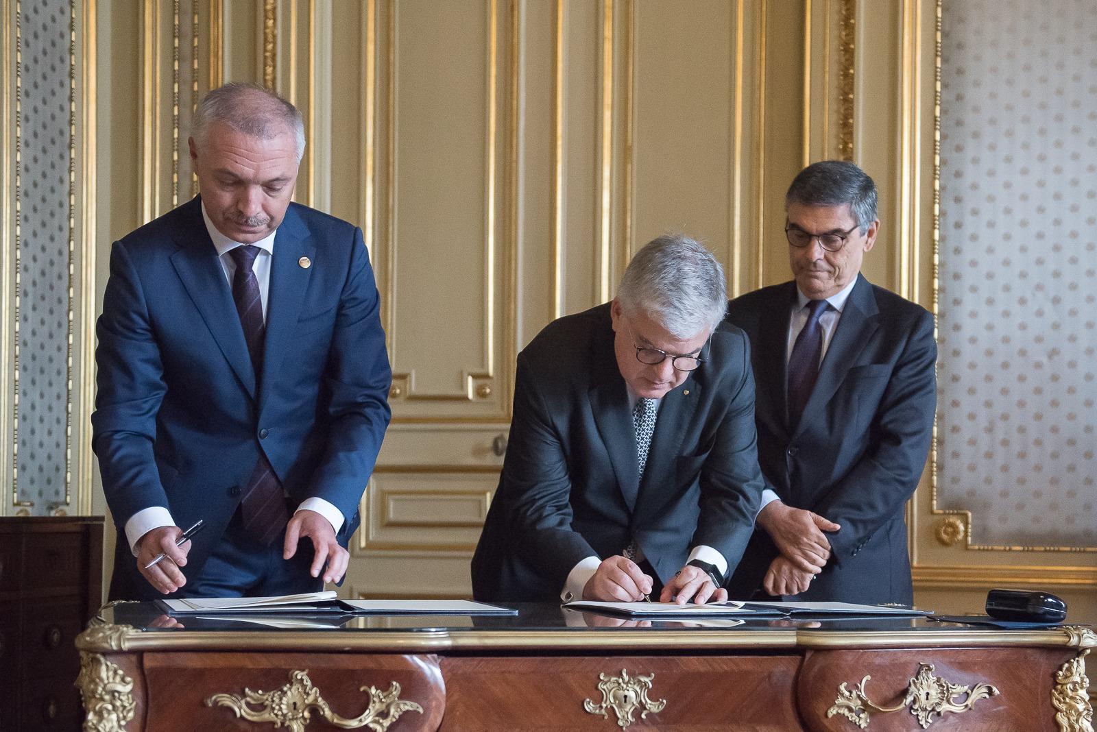 Acord de colaborare între Universitatea de Medicină și Farmacie din Tîrgu Mureș și Universitatea din Lisabona