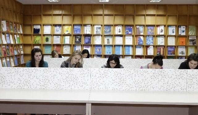 Studenții UMFST Târgu Mureș își pot crea online fișa de cititor