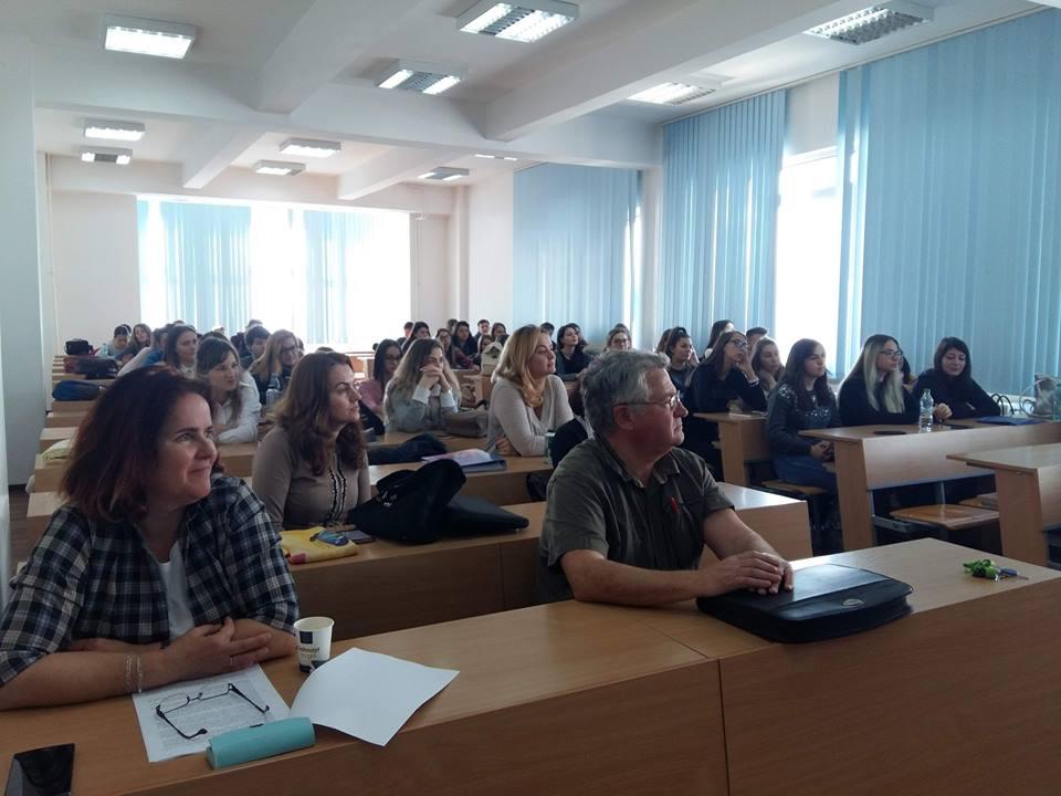 Metode creative pentru educaţia antreprenorială, la UMFST Târgu Mureș