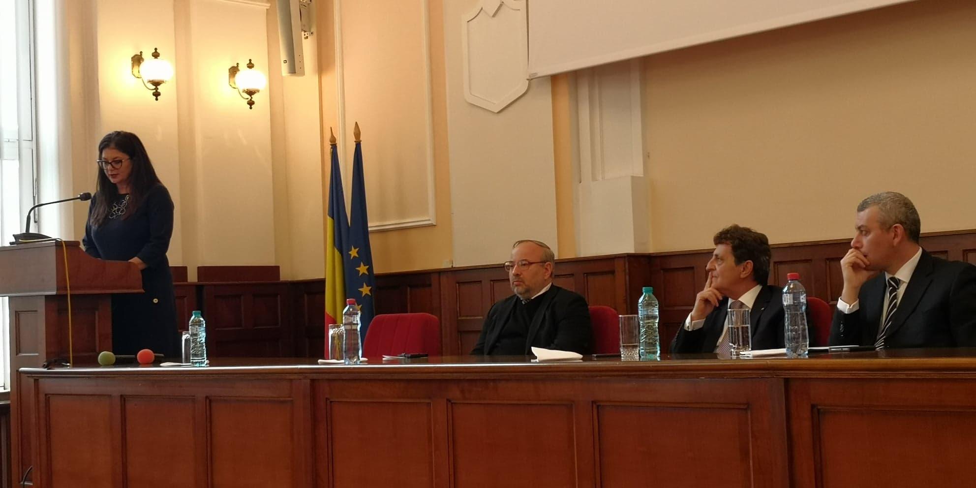 Dezbatere pe tema Constituției României, la UMFST Târgu Mureș