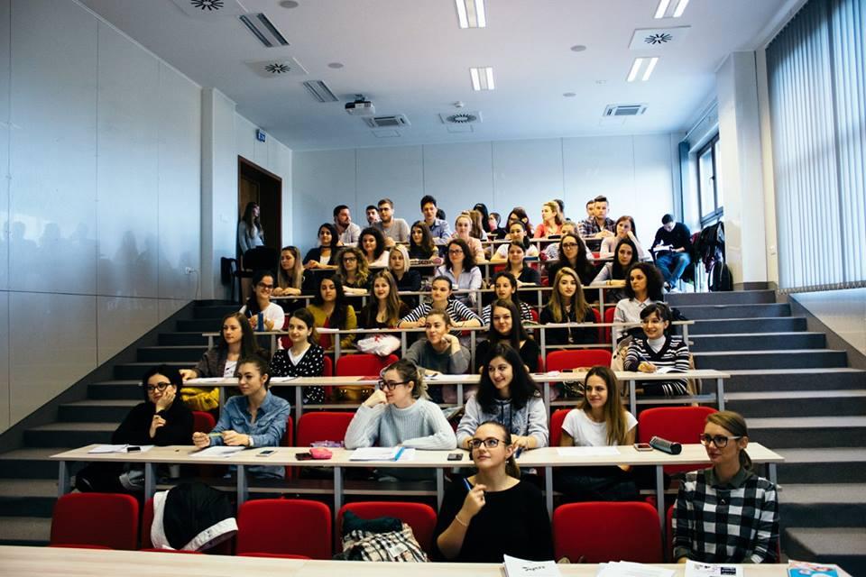 Studenții UMFST Târgu Mureș, în sesiune