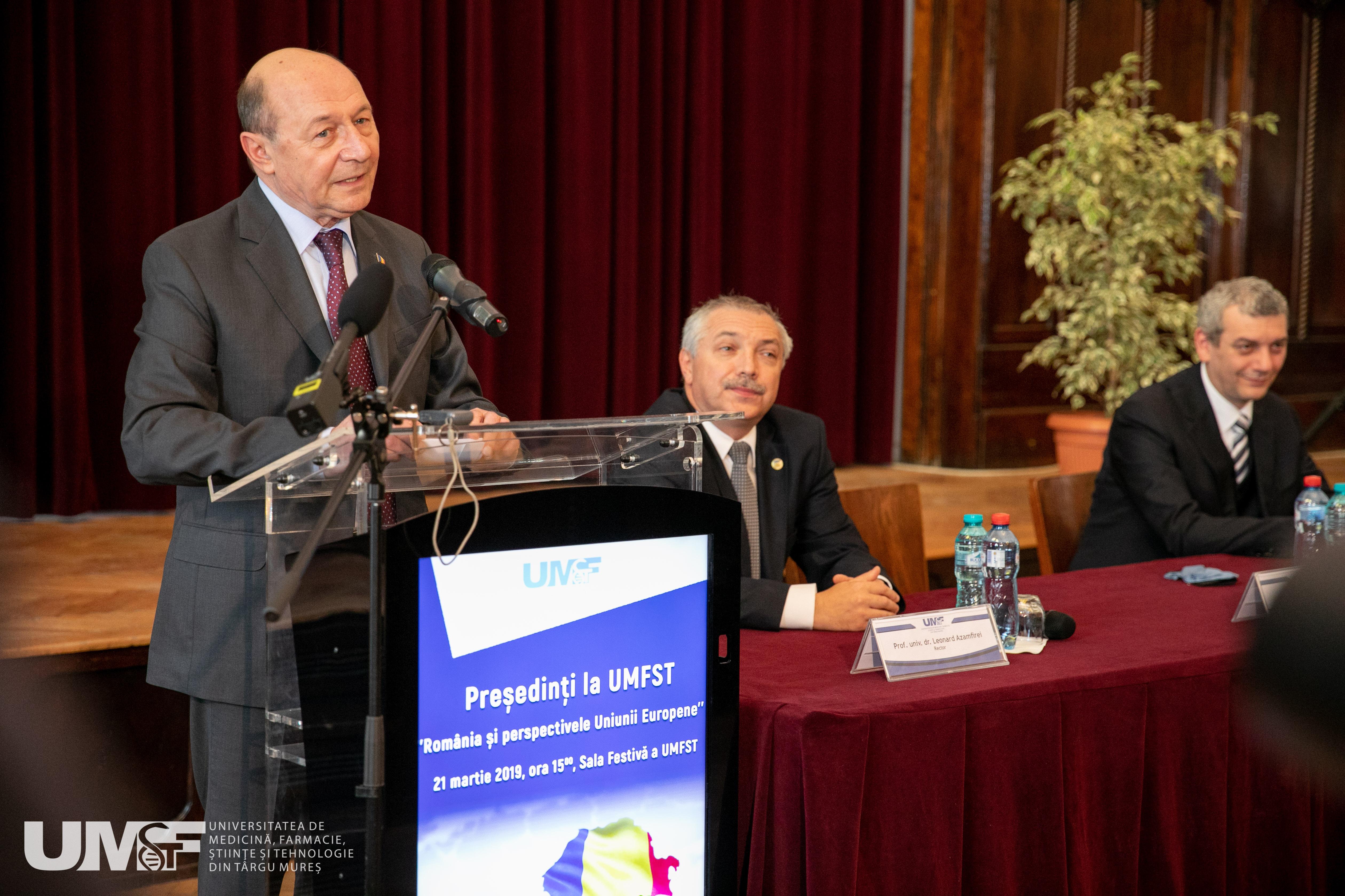 Președinți la UMFST: Traian Băsescu, conferință despre România și perspectivele Uniunii Europene