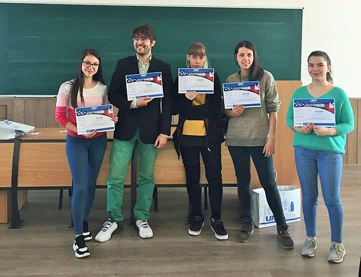 """Rezultatele concursului interuniversitar de traduceri """"Right Words"""""""