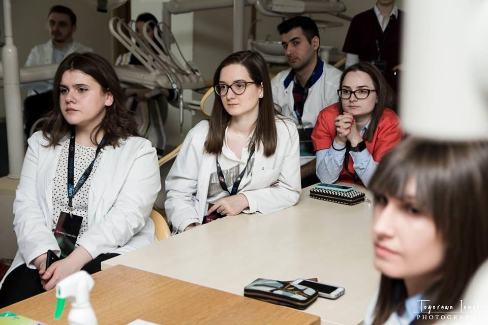 Studenții la Medicină, îndrumați de psihologii DCOPIS în alegerea specialității medicale