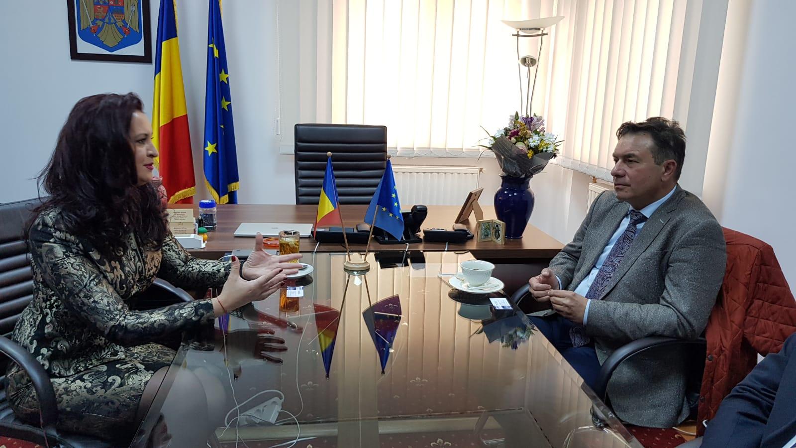 Întrevedere între ministrul pentru Românii de Pretutindeni și reprezentanți ai UMFST Târgu Mureș