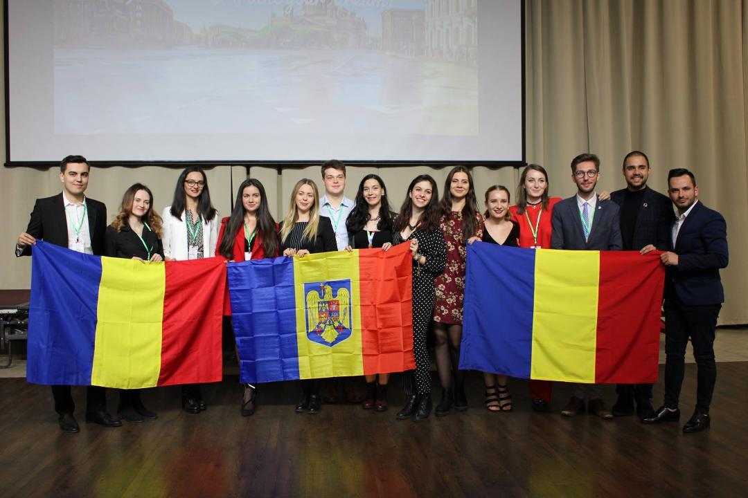 Doi studenți la Medicină, reprezentanții UMFST Târgu Mureș în Rusia