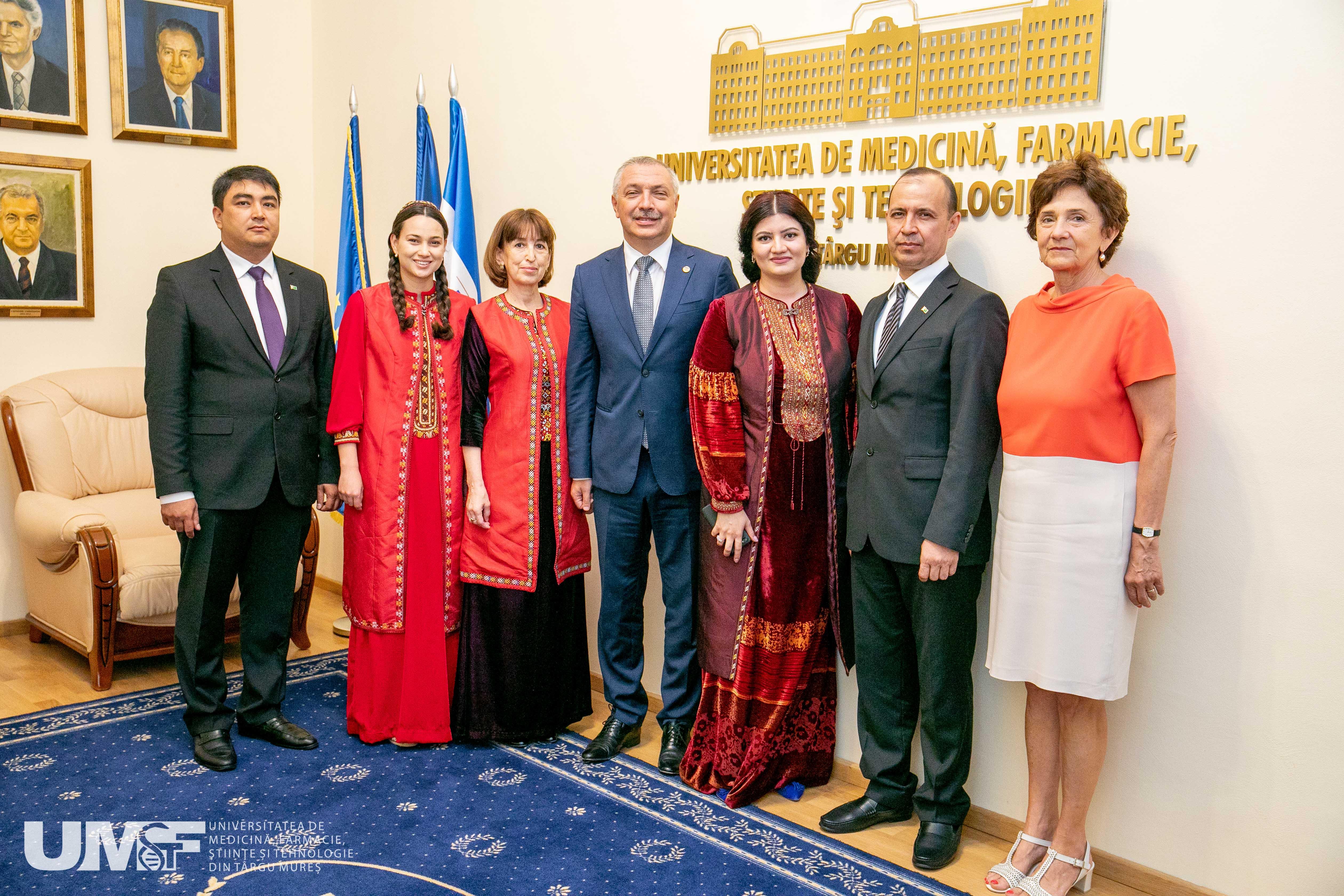 Delegație universitară din Turkmenistan, în vizită la UMFST Târgu Mureș