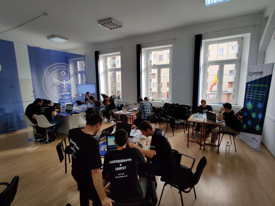 Hackathonul IoT for U: Sisteme automatizate pentru monitorizarea calității vieții și a mediului în campusul UMFST