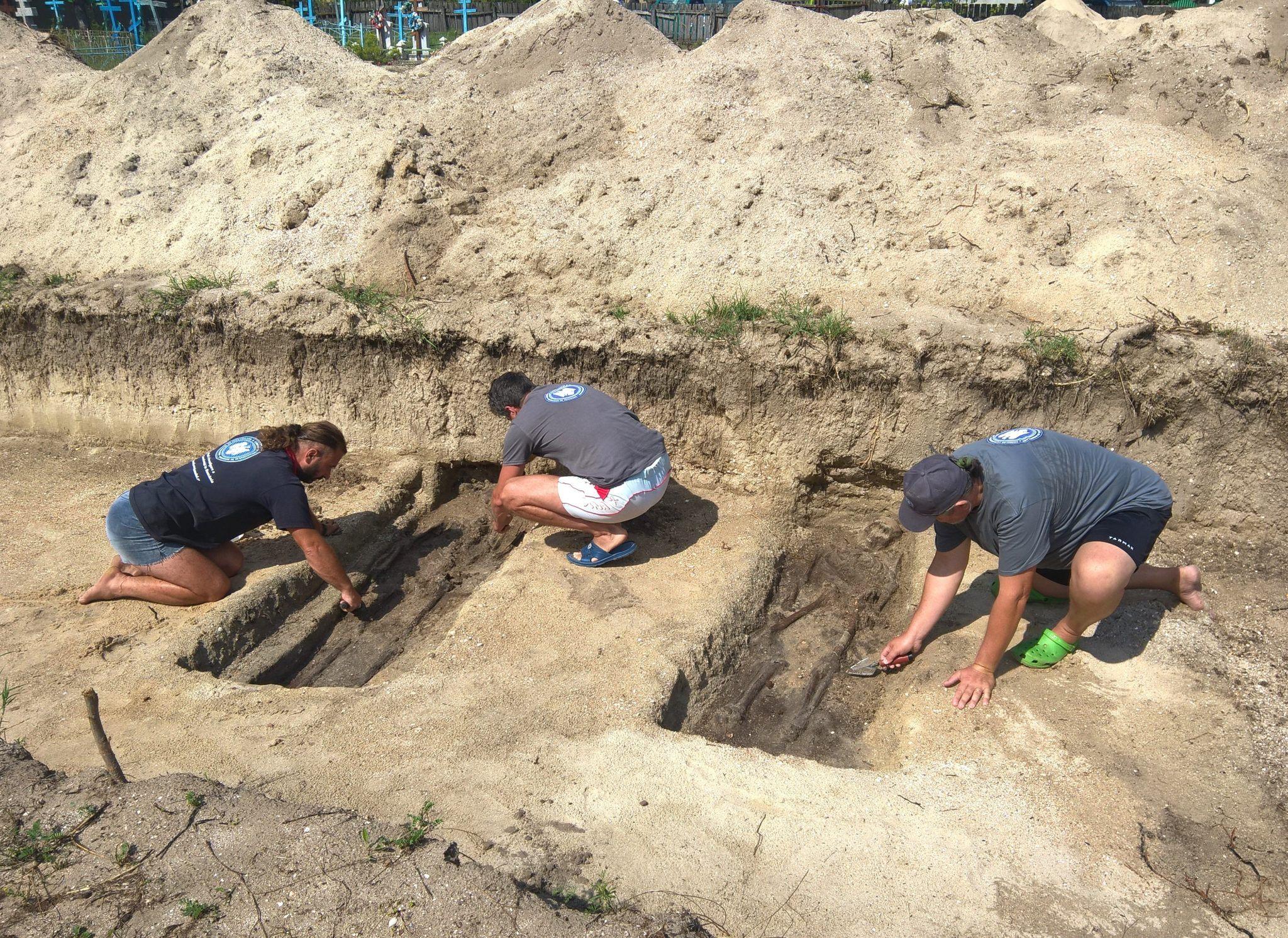 """Workshop cu tema """"În căutarea poporului pierdut. Arheologia crimelor comunismului în România"""", la Facultatea de Științe și Litere"""