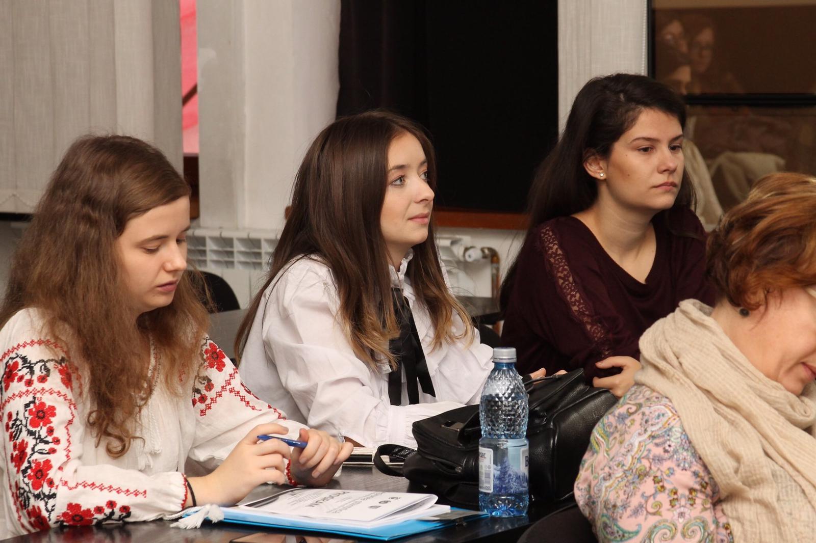 Studenți ai Facultății de Științe și Litere, la Sesiunea științifică studențească de la Alba Iulia