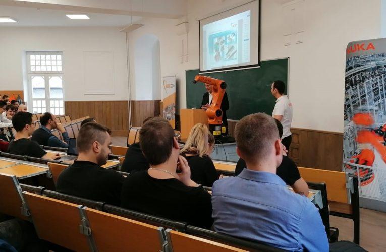 Workshop pe tema roboților industriali, la Facultatea de Inginerie și Tehnologia Informației