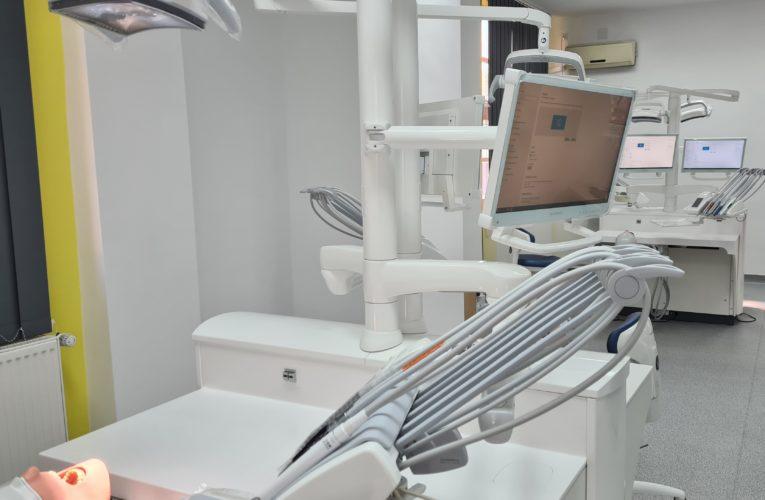 Echipamente și tehnologii de ultimă generație în noul centru de învățare prin simulare al Facultății de Medicină Dentară