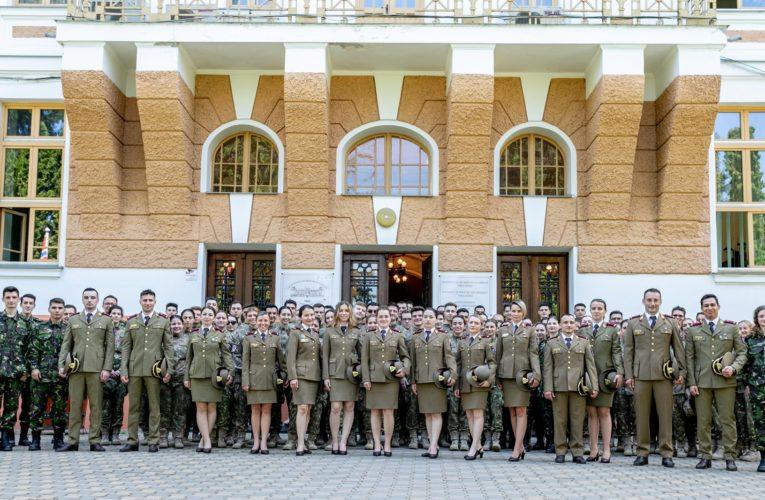 Mesajul Rectorului UMFST cu prilejul Zilei Armatei Române