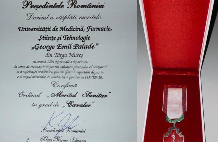 """UMFST Târgu Mureș a primit Ordinul """"Meritul Sanitar"""" în grad de Cavaler din partea Președintelui României"""