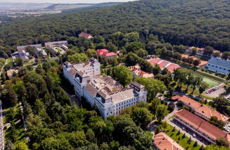 """Muzeul Universității """"George Emil Palade"""" vă invită să descoperiți istoria facultăților UMFST"""