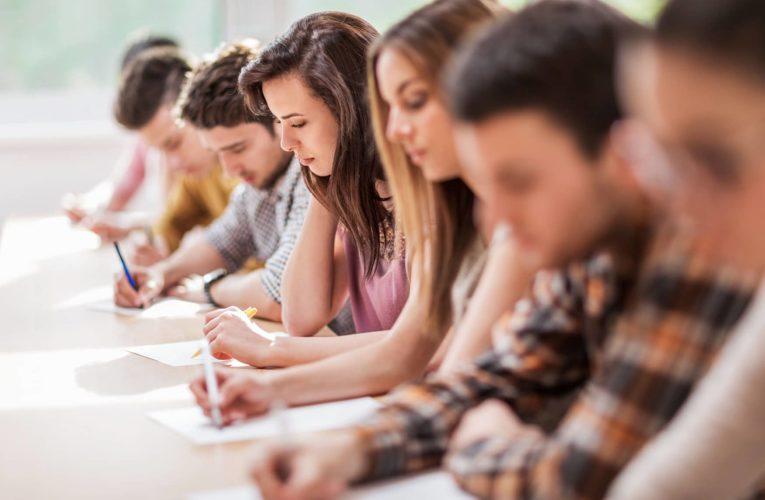 Examene pentru obținerea certificatelor lingvistice